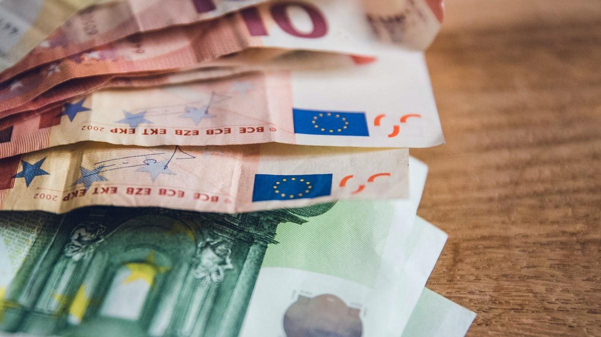 Il Covid-19 piega l'economia globale